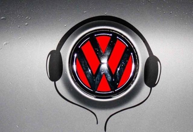สติ๊กเกอร์หูฟังสีดำ ติดโลโก้รถ ( ขนาด 17.5x19 CM )