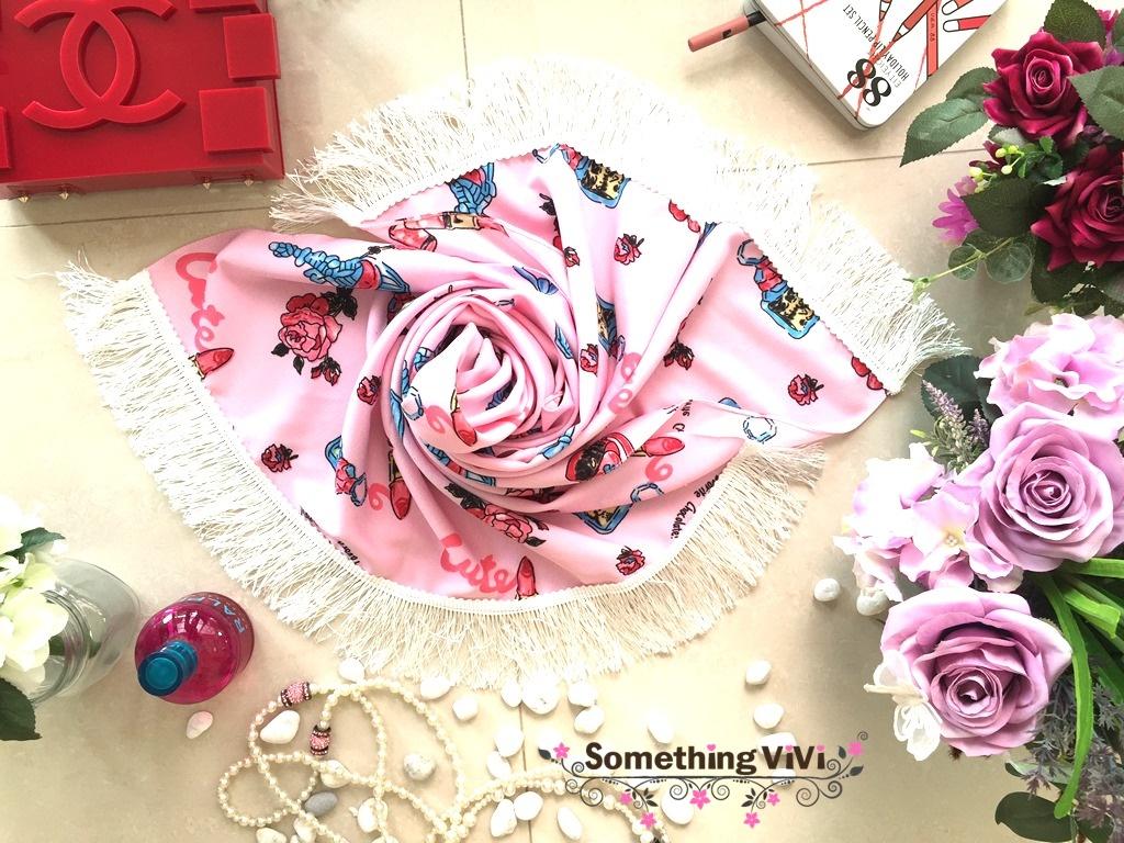 ผ้าพันคอ พร้อมกล่องของขวัญ รุ่น Valentine's Date Night with Fringe in Cotton Pink (Size M) มีของขวัญไว้เซอร์ไพรซ์แฟนกันหรือยังคะ นี่เลยค่ะ!!! ของขวัญสุดเซอร์ไพรซ์ให้แฟนของคุณในโอกาสสุดพิเศษต่างๆ น่ารักมาก ฟรุ้งฟริ้งกรุ้งกริ้งสุดๆ เนื้อผ้าก็ดี๊ดี ทำให