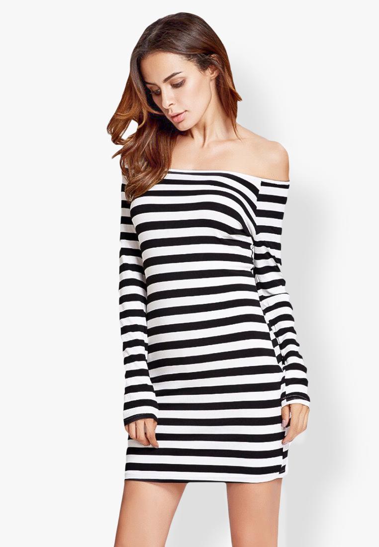 ชุดเดรส Off Shoulder Black and White Striped